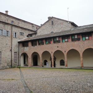 Chiostro-abbazia_EN