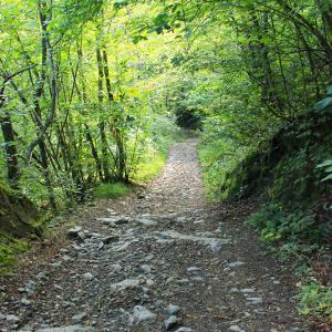 sentiero-grottaEN